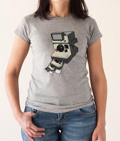 Camiseta Polaroid instantánea en foto Polaroid