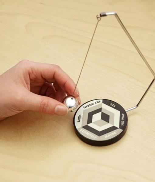 Decision Maker Péndulo Magnético